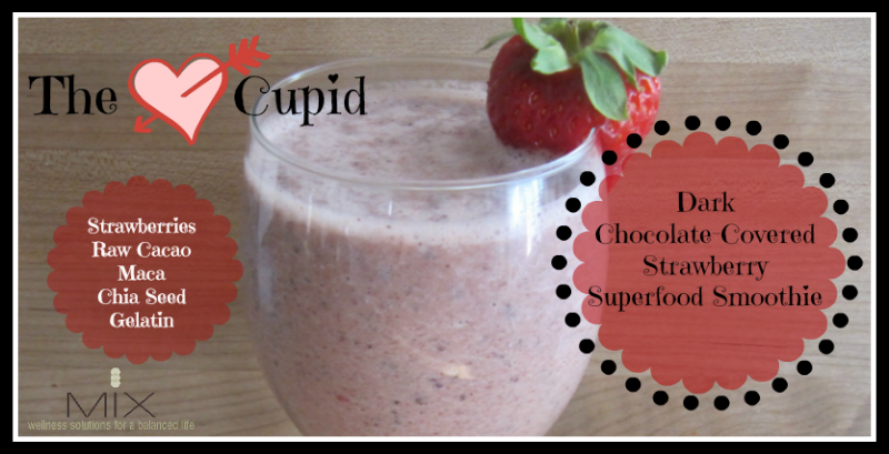 Dark Chocolate-Covered Strawberry Superfood Smoothie | www.mixwellness.com